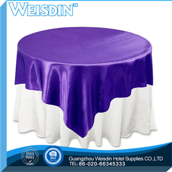 pink ruffled purple round tableclothe christmas