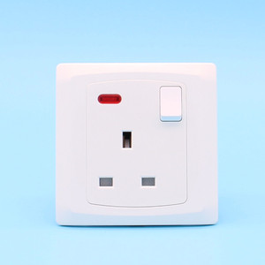 British standard PC home using wall sockets electrical 13a wall mk socket switch