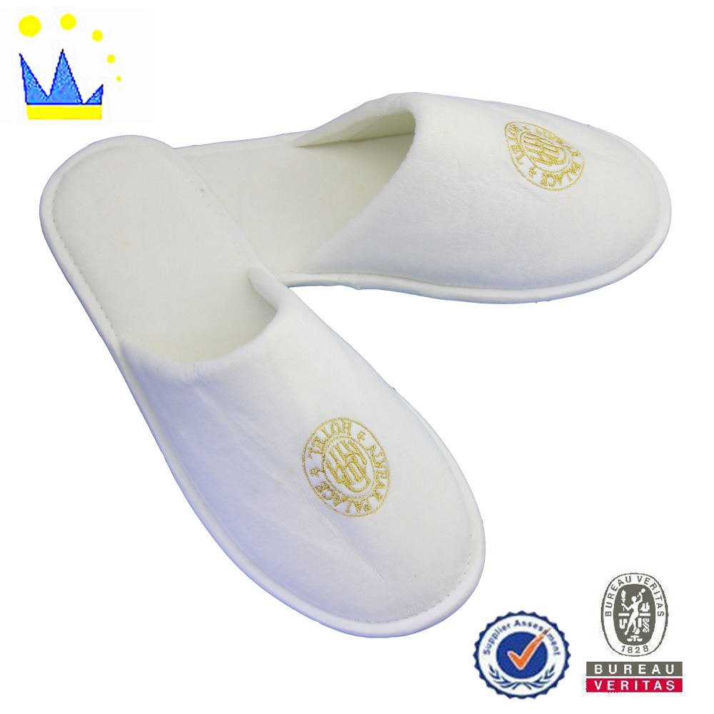 household plastic product shop window promotional hotel slippers