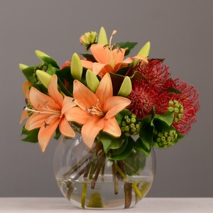 Wholesale High Quality Artificial Lily Dahlia Pin cushion Flowers Arrangement In Glass Vase With Acrylic Water Orange