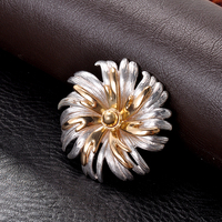 Simple Design Metal Material Flower Shape Brooch