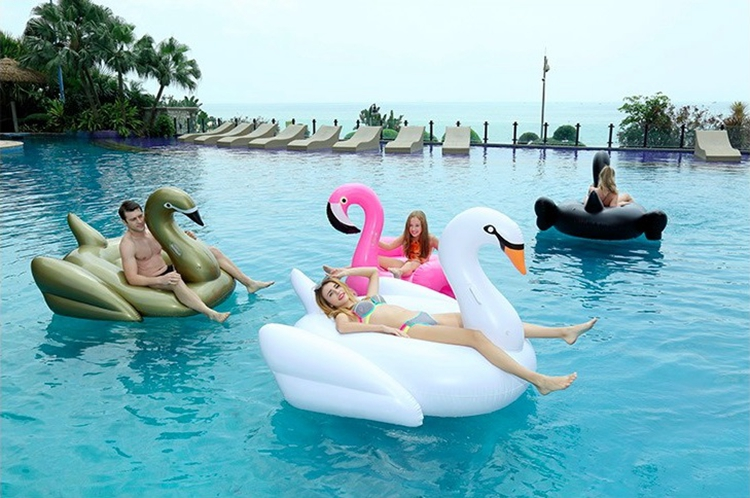 Large Inflatable Gold Swan Pool Float With Affordable Price For Hot Summer Holiday