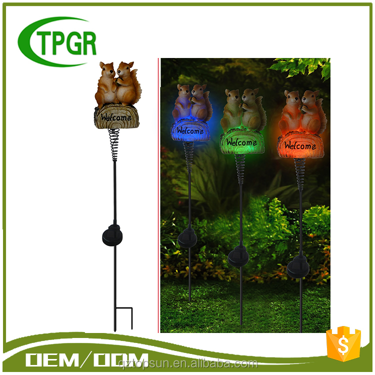 New Premium Polyresin Double Squirrel Solar Metal Stake Solar Resin Craft Light