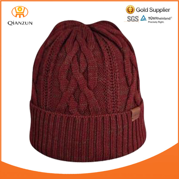 fashion beanie leather patch/woven lable burgundy custom knit pattern cable beanie