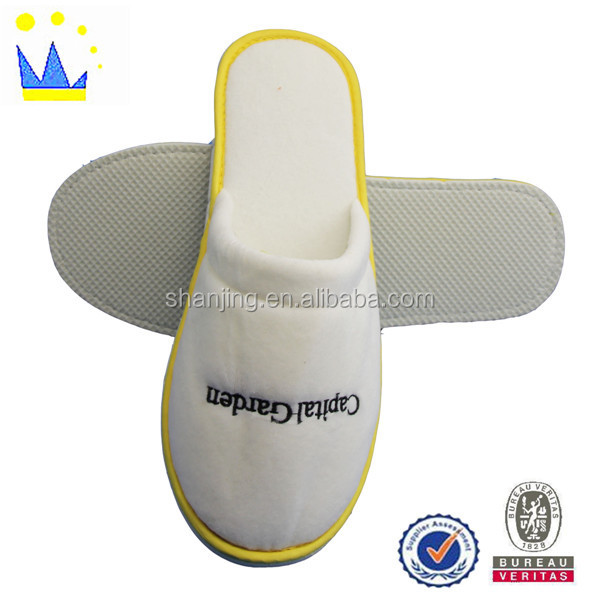 comfortable velvet hotel slipper with EVA sole new design hotel slippers