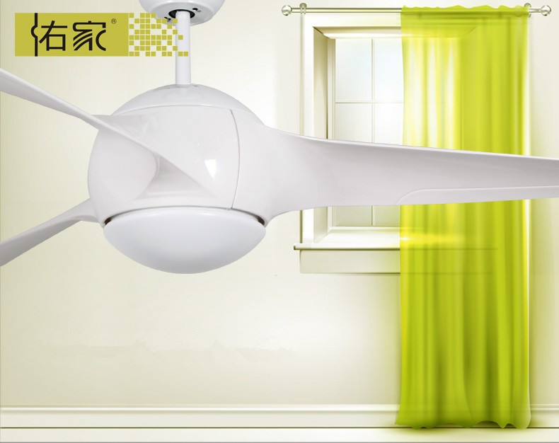 Specially home used white ceiling fan with light
