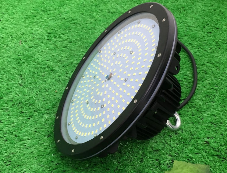 Efficient Energy Saving 150w ufo high bay suspended led light long life span