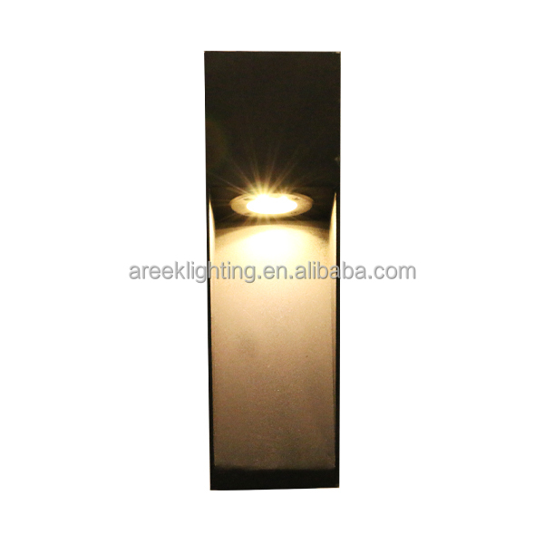 lighting directly on ground extruded aluminum LED bollard
