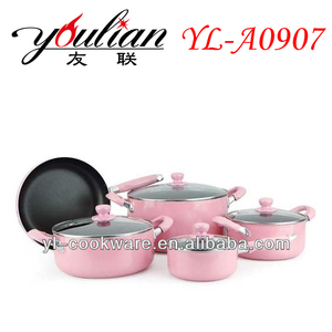 Hot Pink color Aluminum Non-stick Cookware Set sell to Dubai