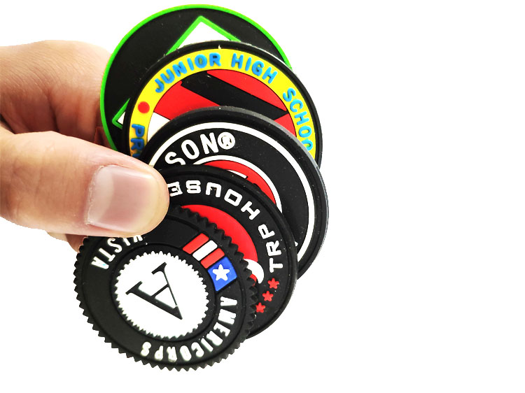 China factory wholesale custom silicon pvc rubber 3d patch for garment