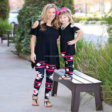 OEM Women Fashion Plus Size Pink & Black Geometric Leggings Pants Wholesale Sport Wear Mommy and Me Clothing Pants