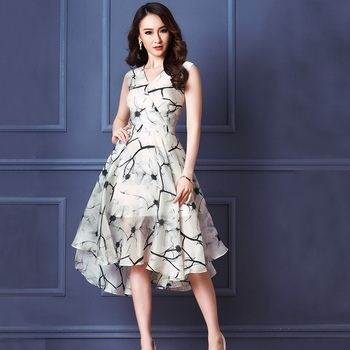 e184ca5614 classy spring summer 2017 european fashion retro floral print V neck  ruffled flared midi dress