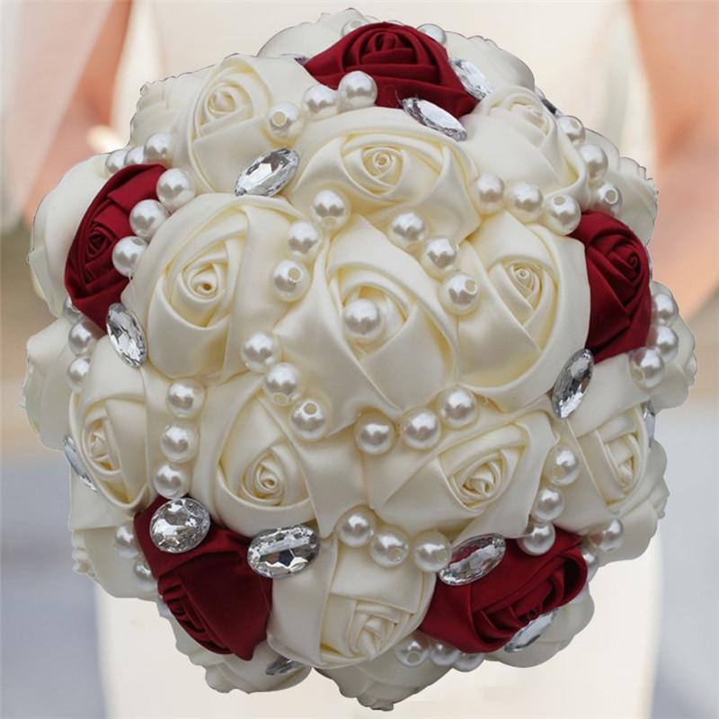 Свадебный букет невесты с жемчужинами, невесты роз