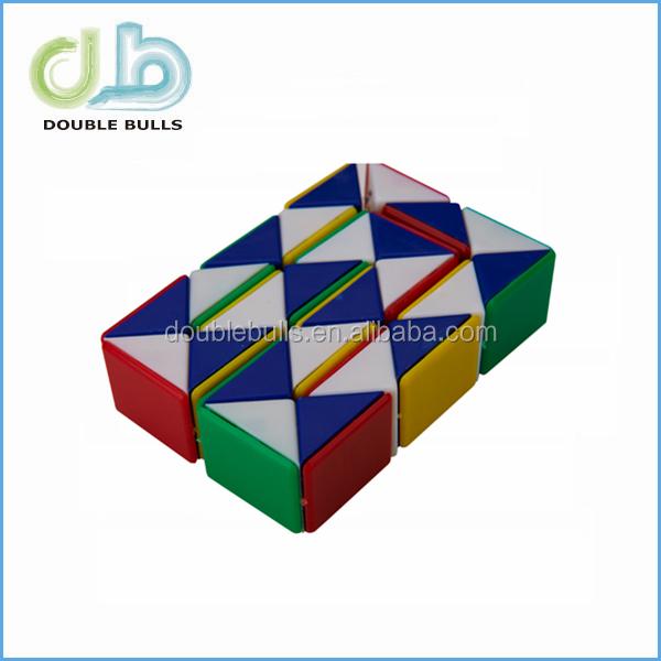 "Snake 15"" Magic Ruler Twist Puzzle,Green / White Triangle Snake ..."