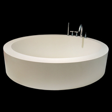 Hotel / Home Furniture 100% Pure Acrylic Custom Luxurious Round Bathtub