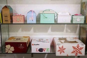 Custom Design Red Clay Wedding Moon Cake Favor Box Sri Lanka