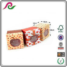 Small Square Gift Box Packaging With Apple Shaped Window