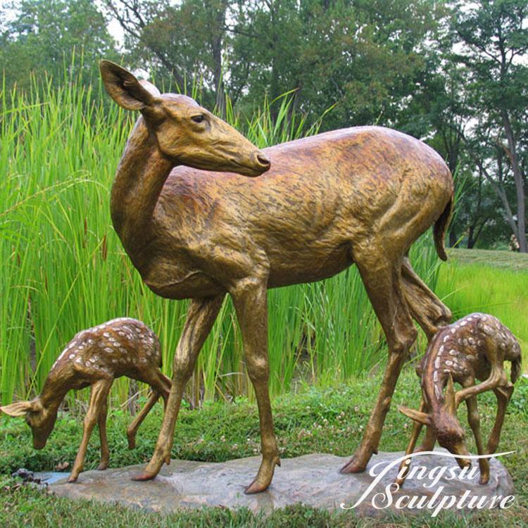 Outdoor Use Bronze Musk Deer Sculpture