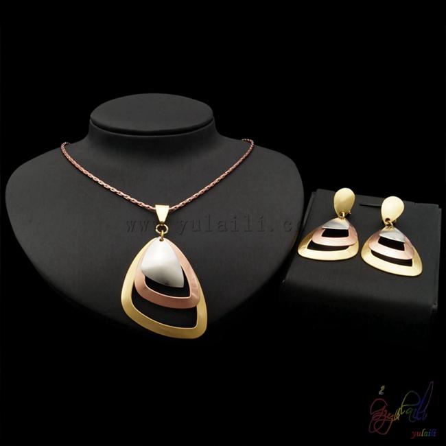 e32c6476610e Yulaili China Oro rosa cadena triángulo colgante de forma de los  fabricantes de joyería conjunto de
