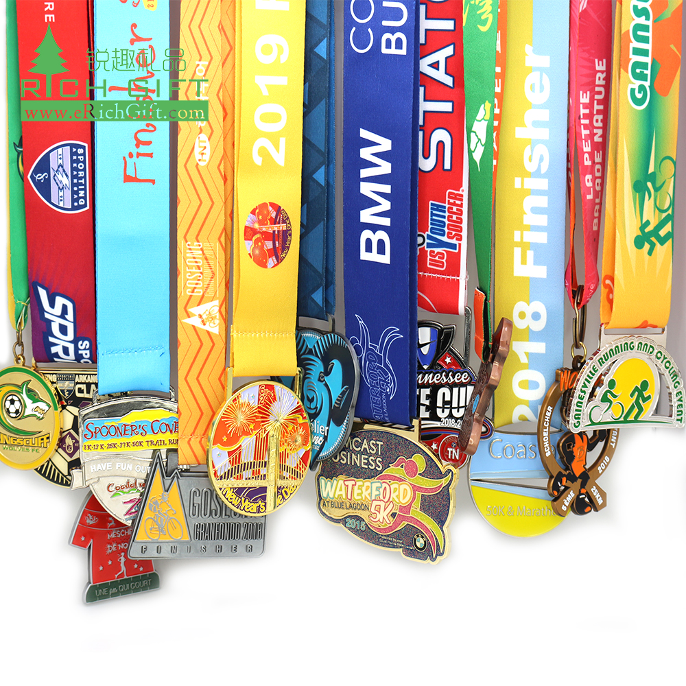 New unique customized carnival/fiesta soft enamel half marathon running kids medals/souvenirs cheap custom medal made in China