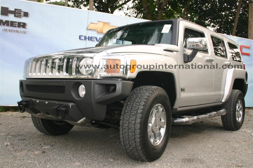 Hummer H3 In Right Hand Drive Conversion