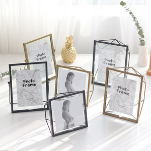 Simple modern Prisma Picture Frame, 4x6 Photo Display for Desk or Wall, Brass Phote Frame Home Decoration