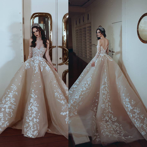 indian groom wedding dress sweetheart neckline lace appliques backless sweetheart neckline floor length champagne bridal dress