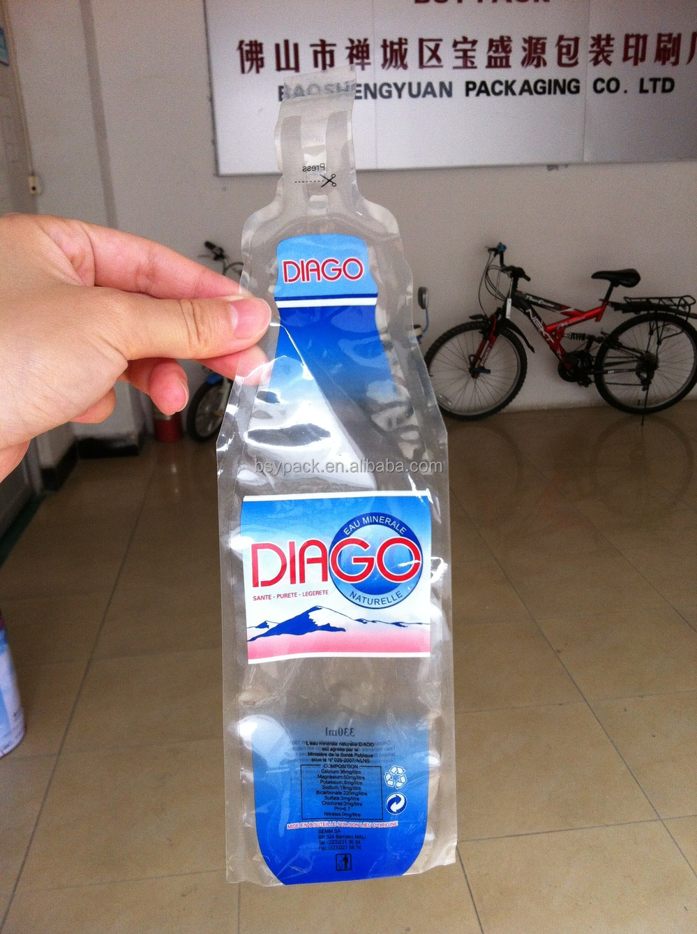 Biodegradable Eco Friendly Bottle Shaped Pouch For Mineral