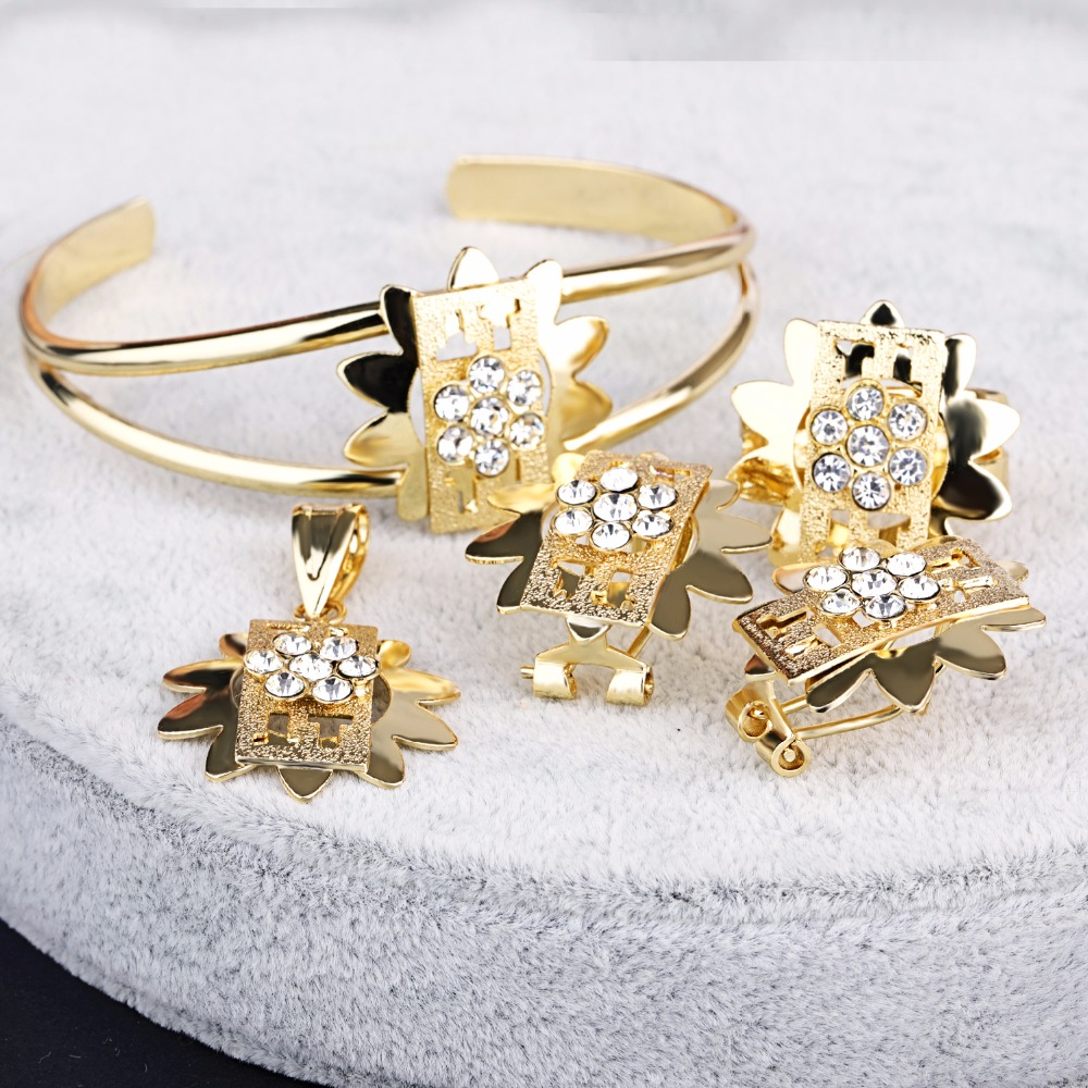 18 Carat Gold Jewelry Sets 18 Carat Gold Jewelry Sets Suppliers and