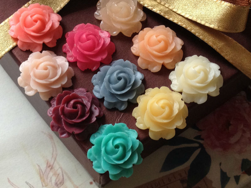 wholesale real flowers in resin, resin flower vase, plastic resin flowers