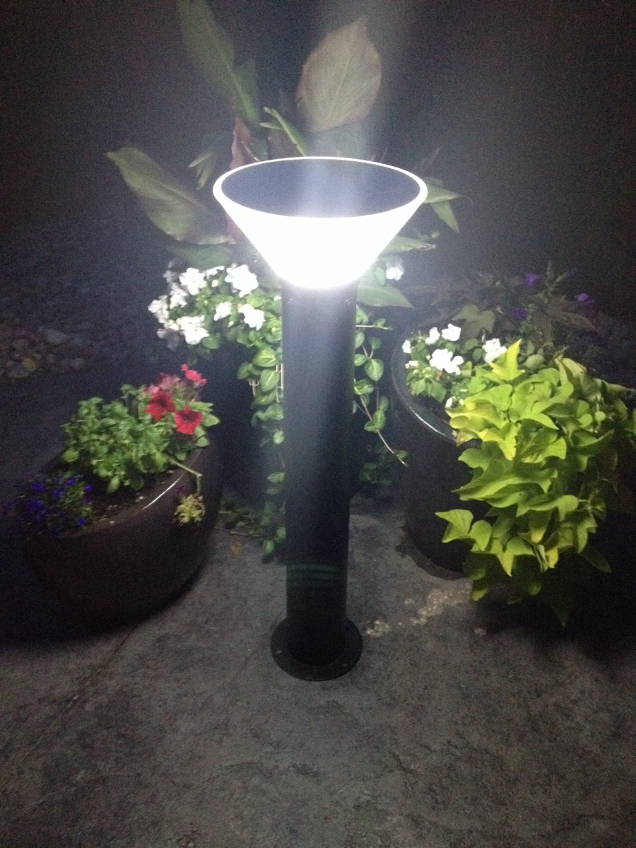 Ip65 solar power bollard light outdoor bollard light for Garden lights