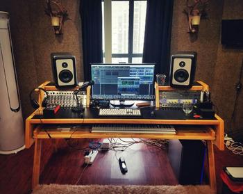 Bureau pour la musique mixage studio d enregistrement À la maison
