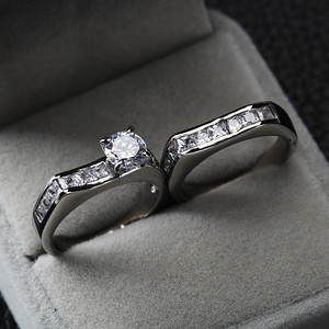 18 K Fashion Couple Stainless Steel Wedding Engagement Rings Set With CZ