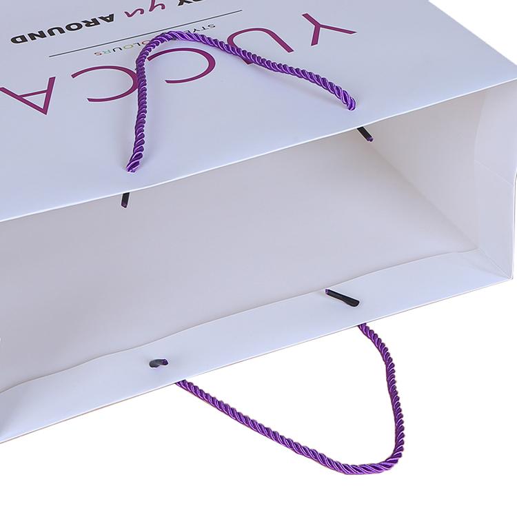 ขายส่งราคาถูกหรูหราแบรนด์ที่มีชื่อเสียงของขวัญพิมพ์ที่กำหนดเองถุงกระดาษช้อปปิ้งที่มีโลโก้ของคุณเอง