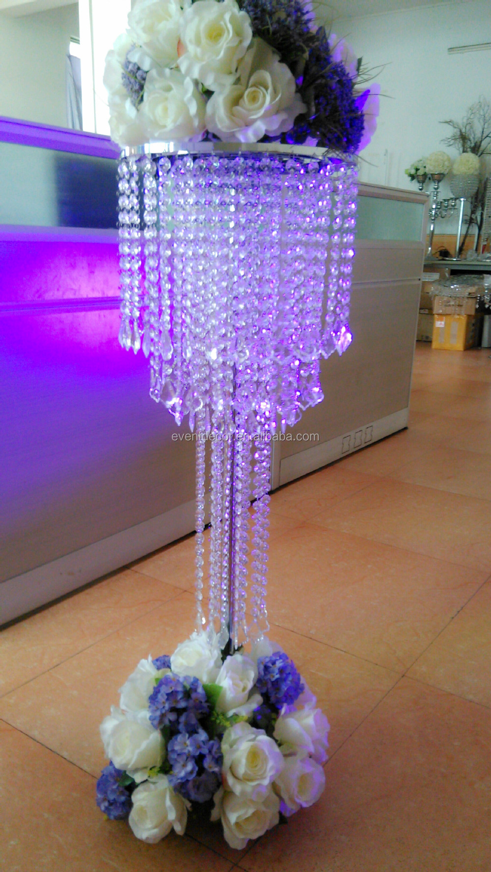 Large crystal chandelier table top centerpieces for for Buy wedding centerpieces