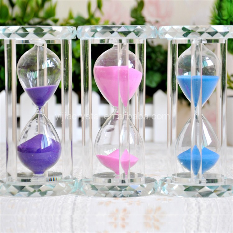 Exquisite Wedding Return Gifts Heart Shaped Crystal glass Hourglass on Sale