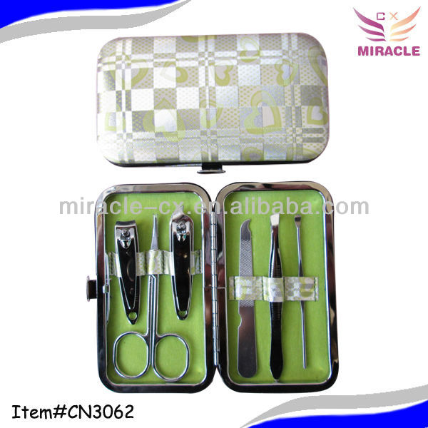Bling heart design in stock manicure set give away to Israel market fancy gift items