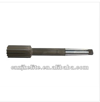 taper-shank chucking reamer with carbide tips