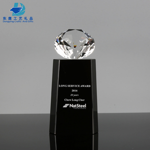 Crystal Diamond on Top Black Crystal Trophy Award Company Corporate Trophies and Awards