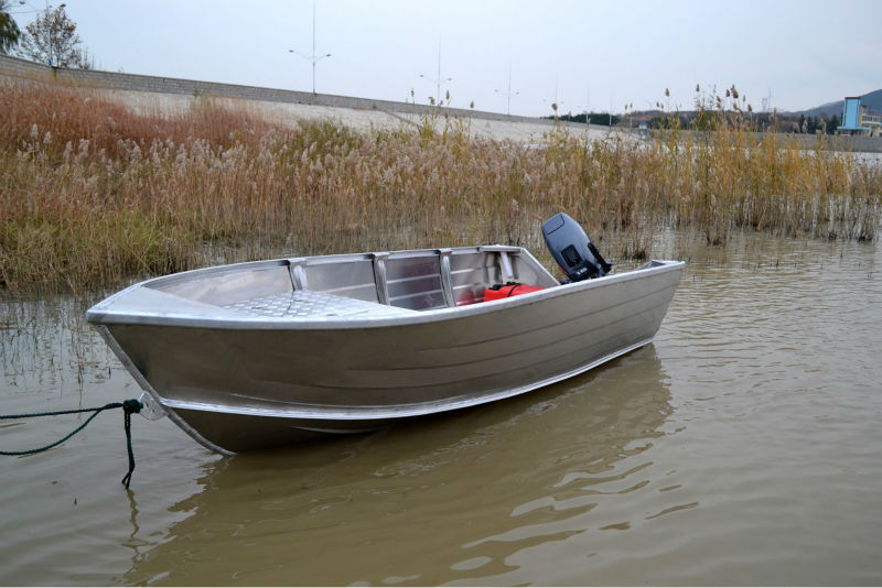 Aluminum deep bottom boats