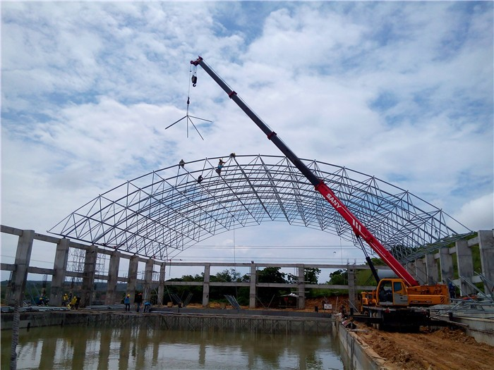 Large Span Prefab Swimming Pool Canopy With Steel Roofing Sheet