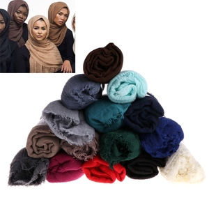 Wholesale 2018 latest custom women crinkle muslim wool hijab scarf fashion colorful ladies silk shawl football pashmina hijab