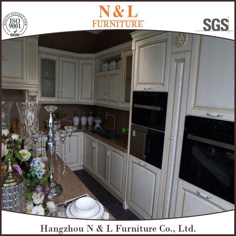 Eetkamer almirah ontwerpen frosted glas keukenkast deuren for Keukenkast ontwerpen