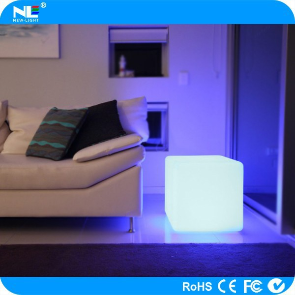 Illuminated LED Furniture Cube Chair/light Up Outdoor PE Material LED Cube  LED Glowing Seat