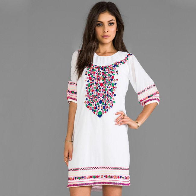 Красивые вышивки на платья