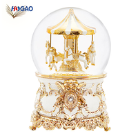 Merry go round wholesale music box Wedding gift cheap polyresin carousel snow globe souvenir snow globe