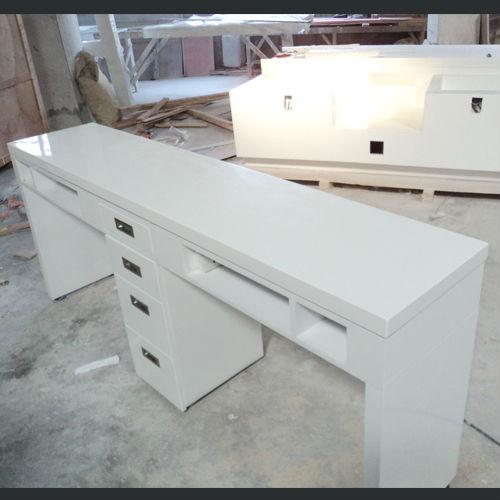 More Salon Furniture Display: