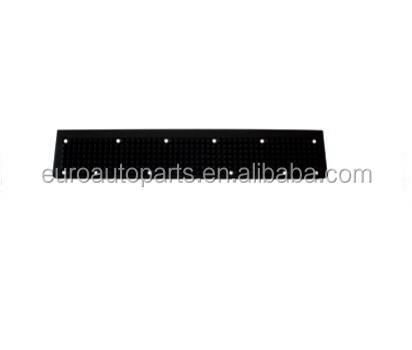 504135514 Lower bumper footstep for Iveco truck