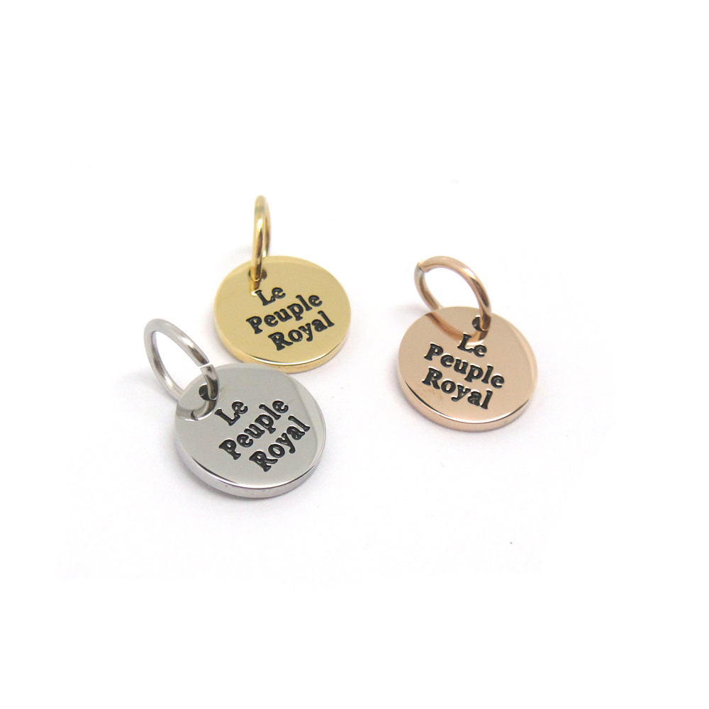 Manufacturer stock jewelry wholesale letter logo engraved jewelry tag <strong>charm</strong>