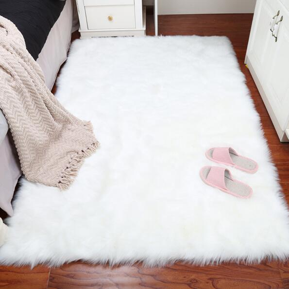 2018 New Pure White Sheepskin Plush Fur Rugs Faux Carpet Rug High Quality Product On